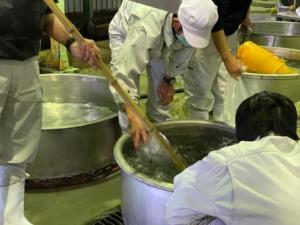 行程1 洗米 日本酒づくり